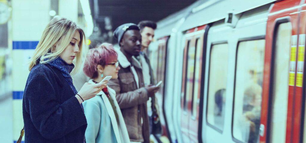Herramienta de monitoreo de distanciamiento social para viajes más seguros